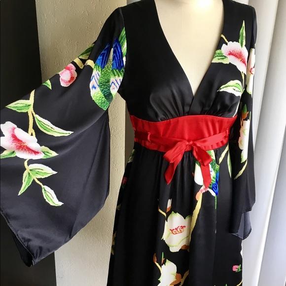 16b5c8eac4a5 Voom by Joy Han Geisha Dress. M_5b7c6db67ee9e2e3648d74b4